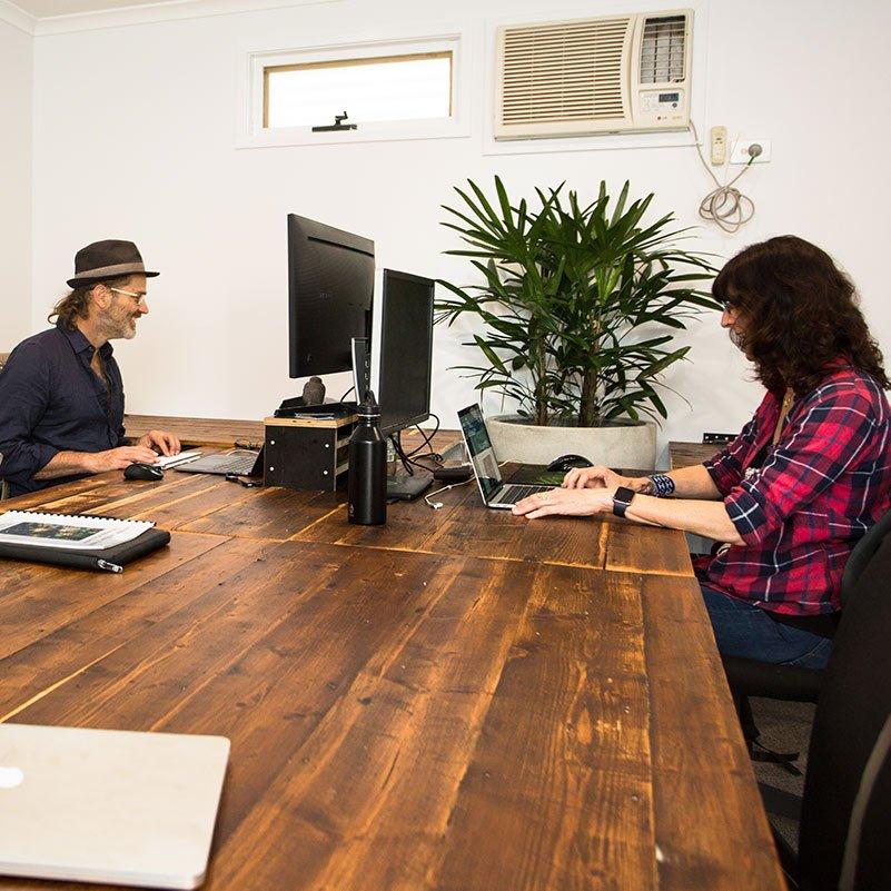 castlemaine-coworking-hot-desks-2-square-800px